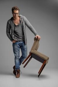 shutterstock_147345179 ragazzo, jeans, moda